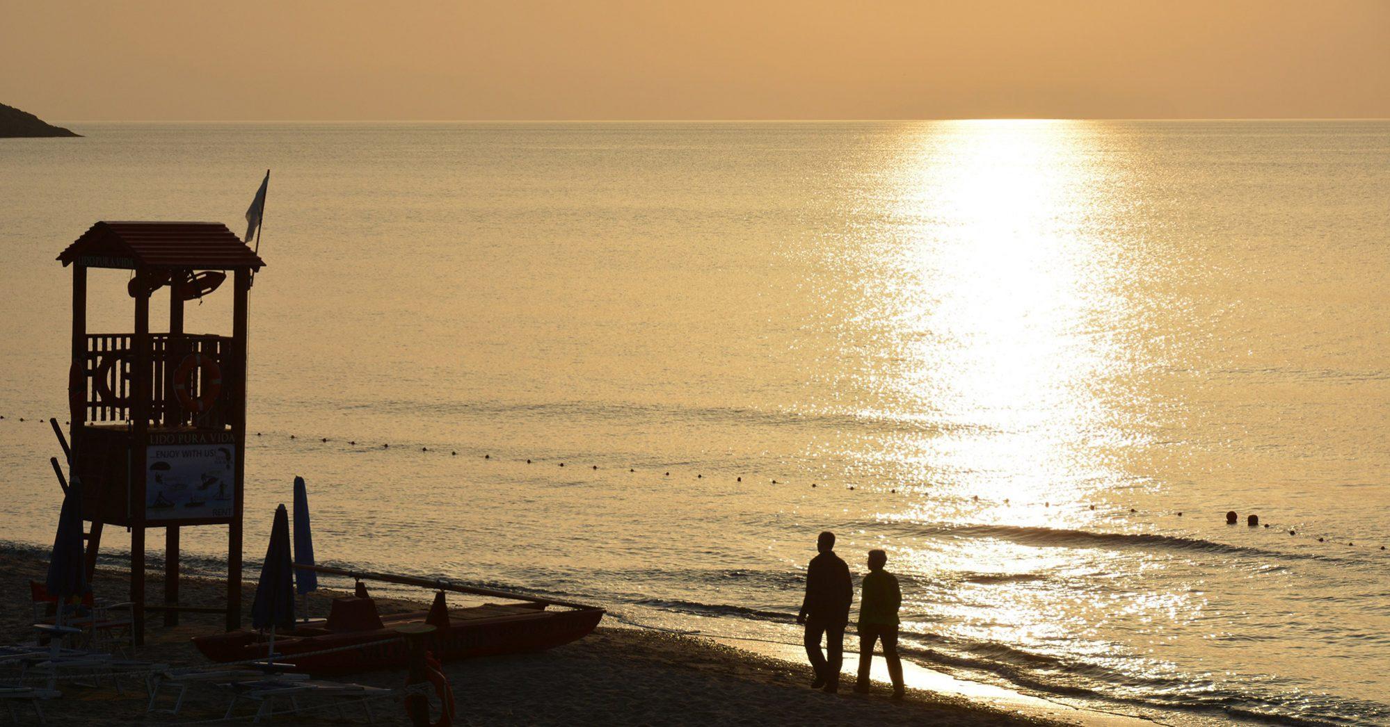 cefalu-lungomare-spiaggia-tramonto-sunset-featured