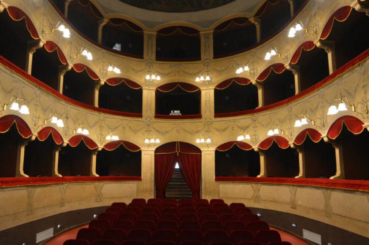 teatro comunale salvatore cicero cefalù